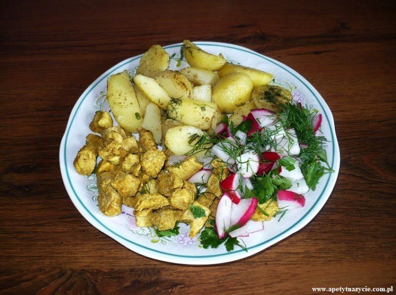 Pieczone ziemniaki z mięsem i warzywami